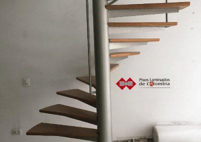 10 escaleras en madera maciza y metal.10